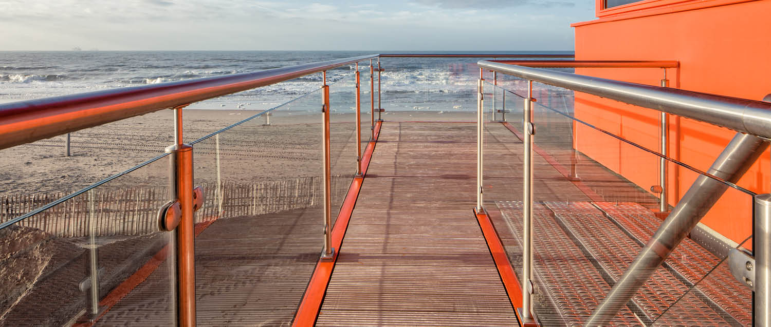 project-slide-reddingsposten-krb-lifeguard-stations-katwijk-aan-zee-nl-2