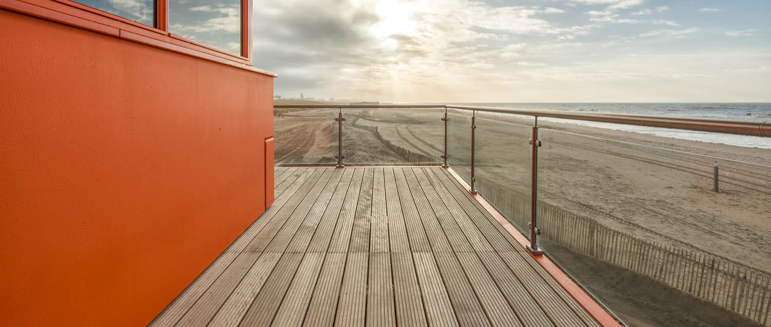project-slide-reddingsposten-krb-lifeguard-stations-katwijk-aan-zee-nl-3